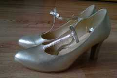 malowanie butów ślubnych - stan poczatkowy