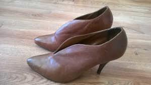 Farbowanie butów damskich stan początkowy