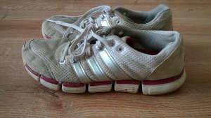 Malowanie butów adidas pocątek