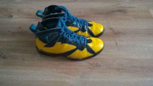 Custom butów AirJordan7 po zakończeniu bok drugi
