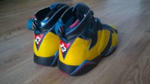 Custmo butów Air Jordan 7 z tyłu