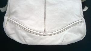 Fragment torebki skórzanej po renowacji