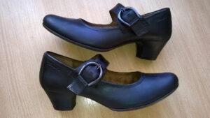 Rabowanie butów ze skóry